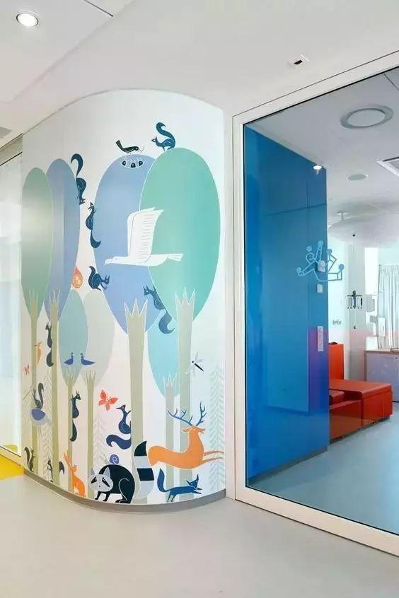 简单讲一讲企业布置墙绘背景墙有什么作用?