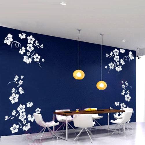 在不同的场合使用不同的墙绘形成不同景色
